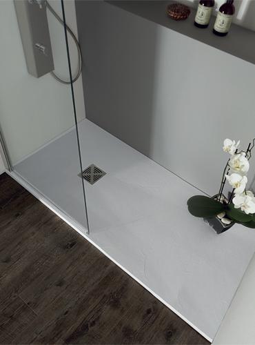 Piatto doccia in marmoresina 80x80 angolo h 2,5 bianco.